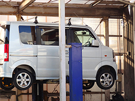 定期点検で、自動車事故を未然に防ぐ